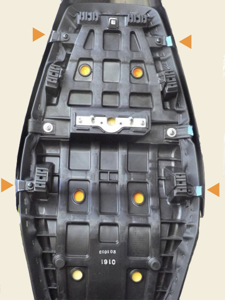 Newbies Guide To Fairing Removal 2006 Zx 14 Headlight Wiring Diagram Place Seat Upside Down On A Soft Scratch Proof Surface Remove The Four Black Phillips Screws Indicated By Orange Triangles In Pic Below That Attach